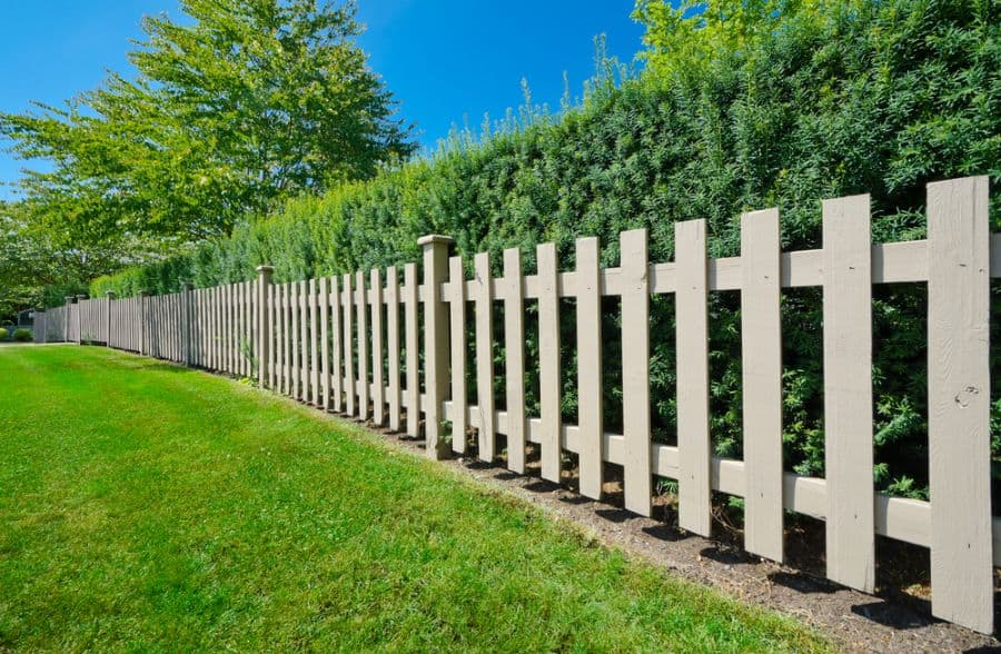 Picket Fence Wood Fence Ideas (5)