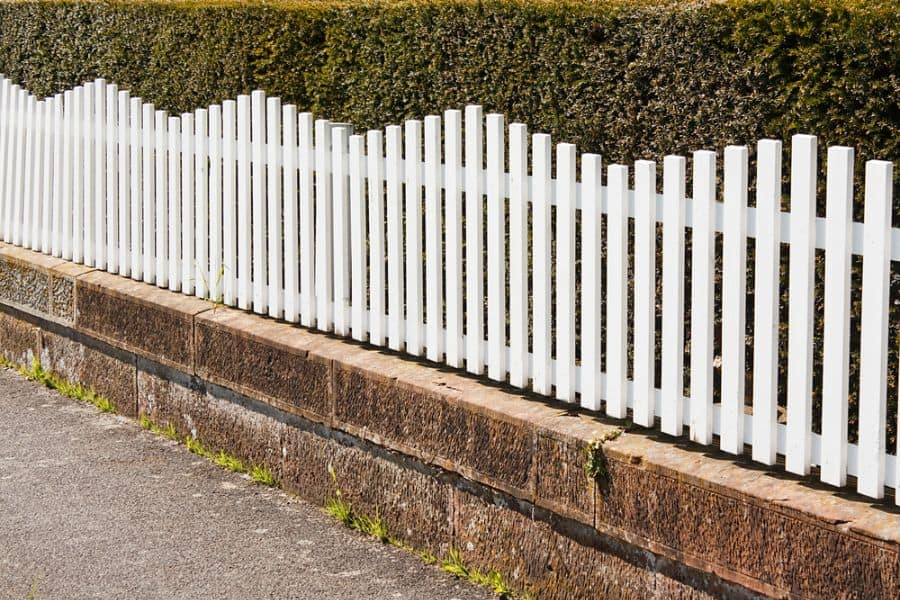 Picket Fence Wood Fence Ideas (7)