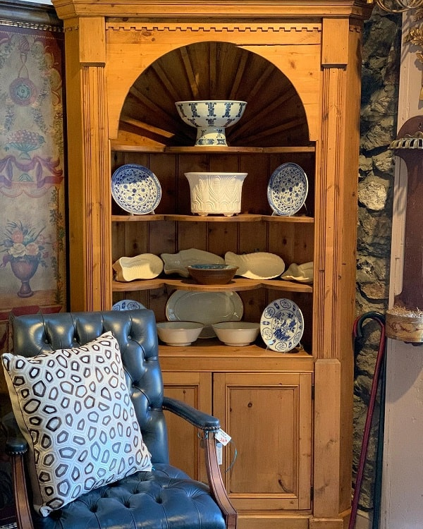 Pine With Shell Interior Corner Cupboards Curio Cabinets Anotherbluemoon