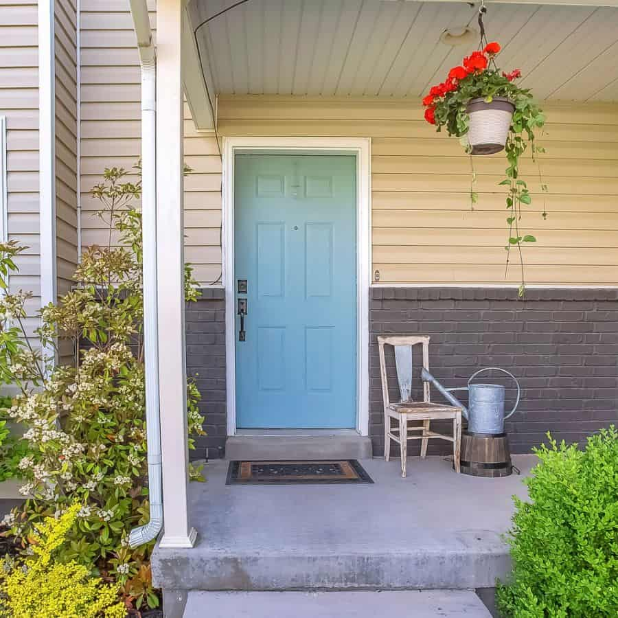 Pop Of Color Porch Ideas 2