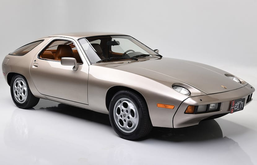 The Porsche 928 From 'Risky Business' Resurfaces at Auction