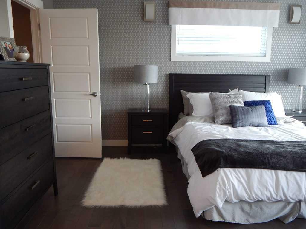 prints bedroom wallpaper ideas 1