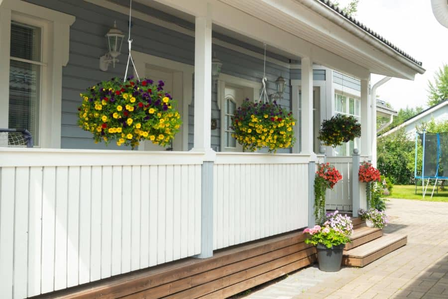 Privacy Porch Railing Ideas 4