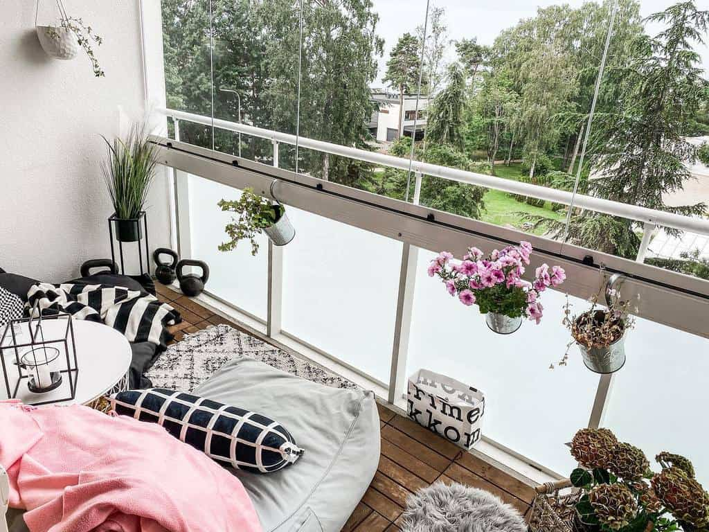 privacy screen apartment patio ideas place_oflove