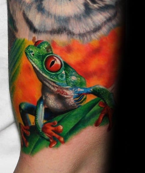 Quarter Sleeve Cool Tree Frog Tattoo Design Ideas For Male