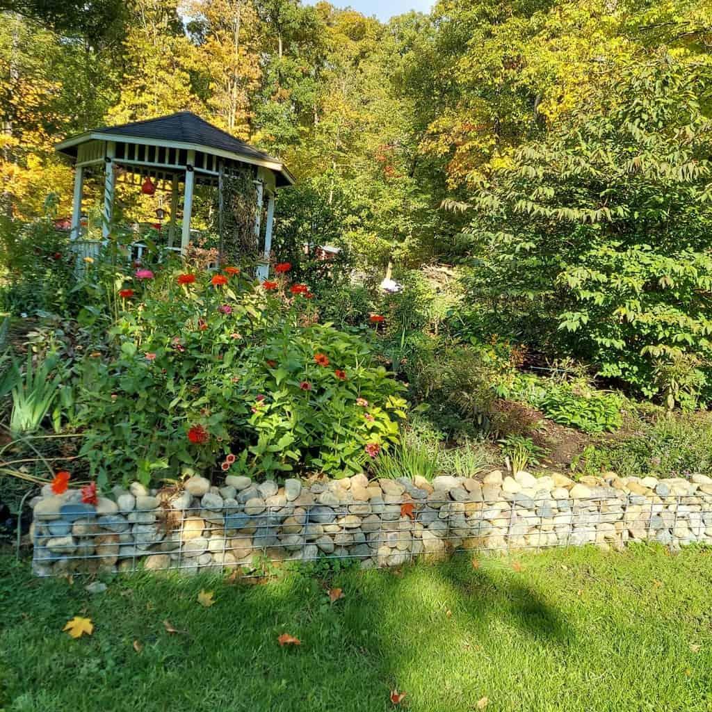raised garden edging garden edging ideas happyhoovesandhens