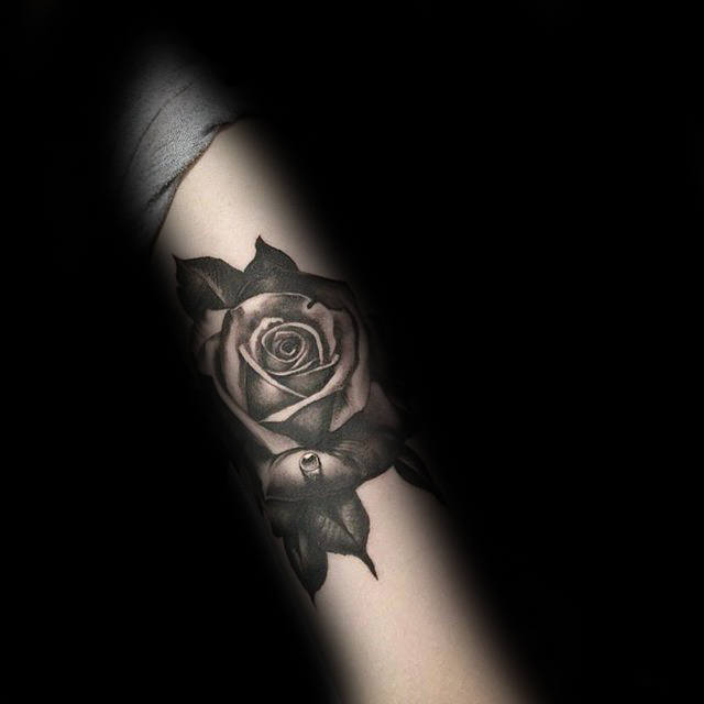 nextluxury realistic 1 black and grey rose tattoos