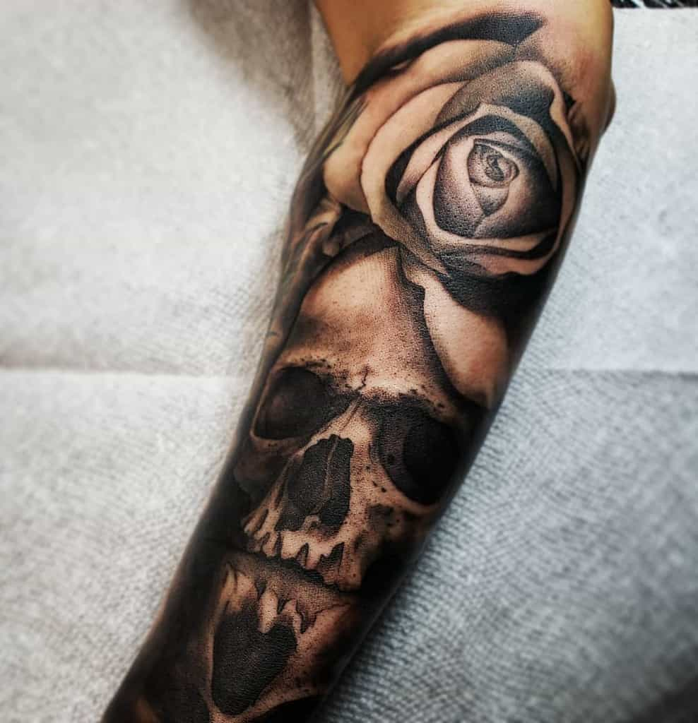 realistic-dark-skull-and-rose-kurieltattoos