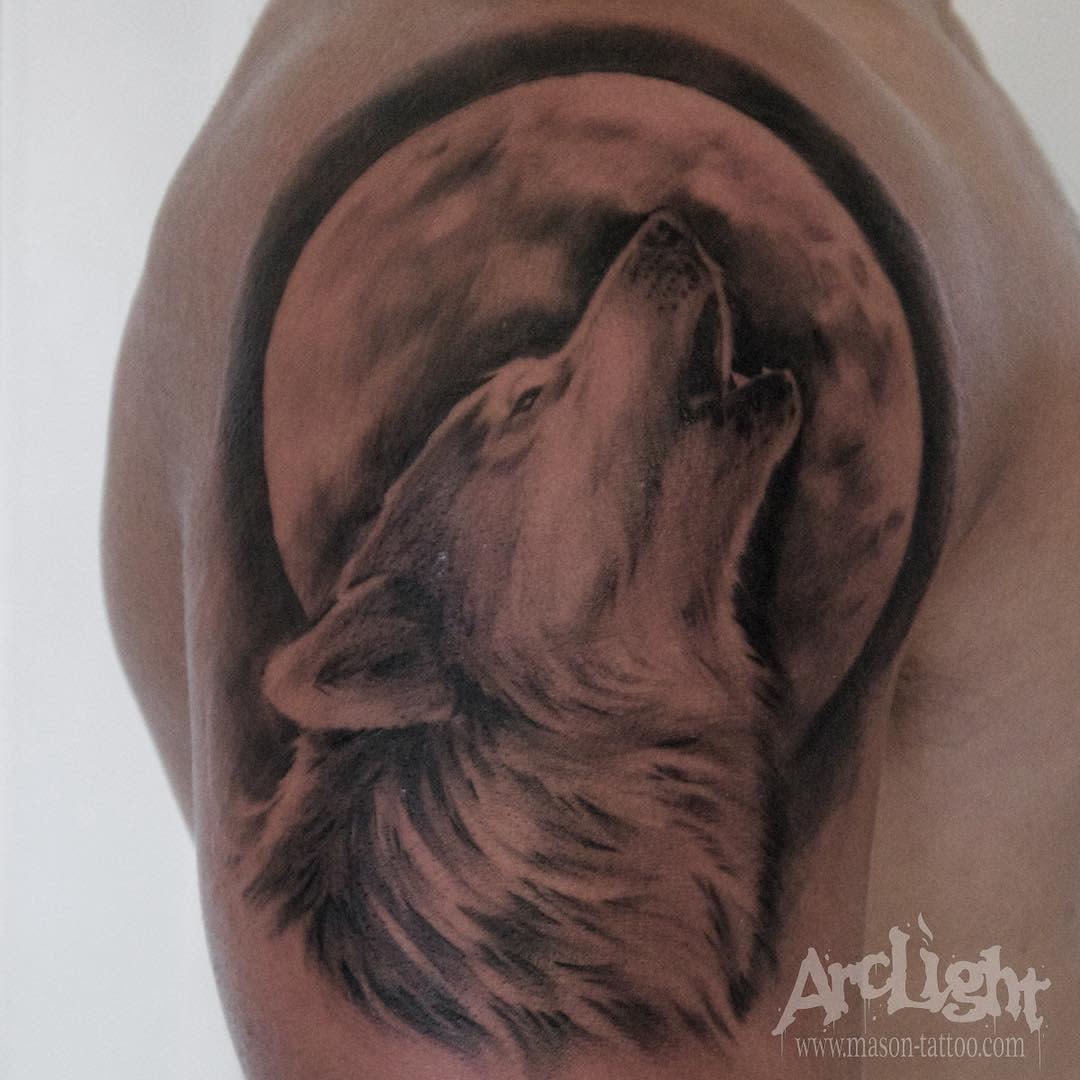 realistic howling wolf tattoo arclighttattoo