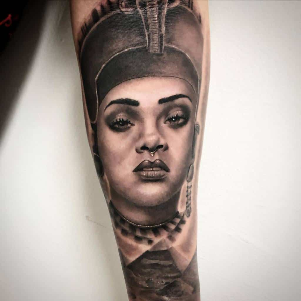Realistic Nefertiti Tattoos Krim Black