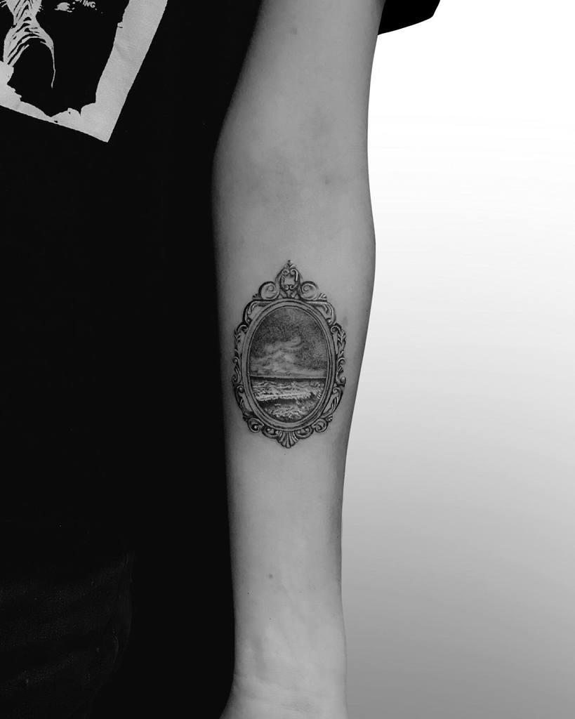 realistic-wave-small-ocean-tattoo-piotr.mattuszewski