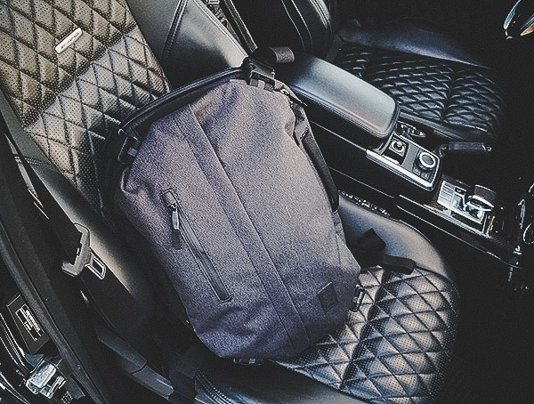 Review Chrome Industries Summoner Backpack On Diamond Quilted Stiched Seats