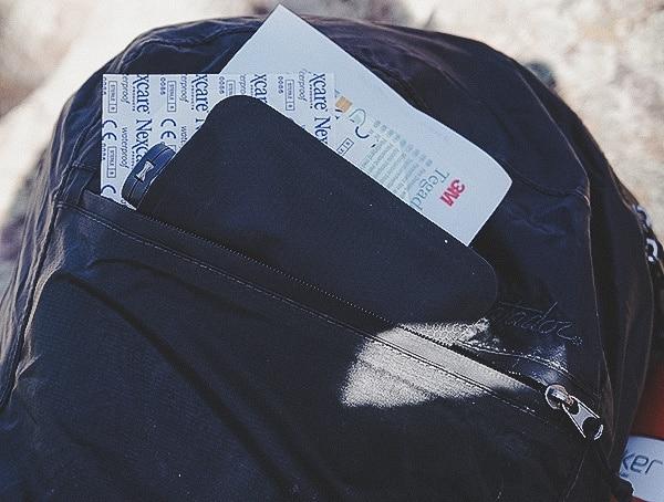 Review Matador Freefly16 Front Zipper Pocket