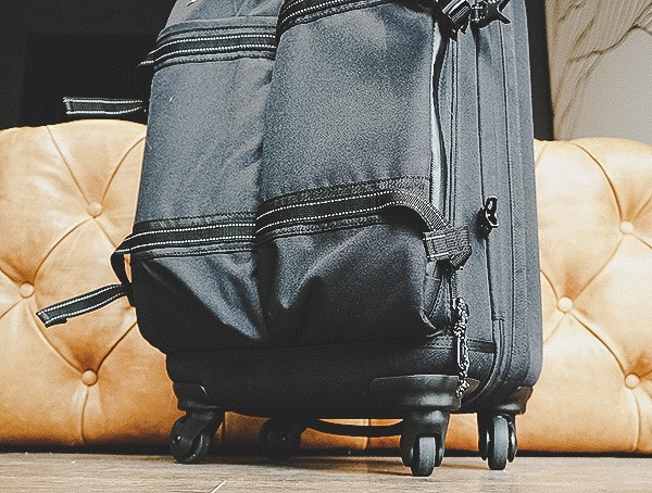 Review Rolling Suitcase Ogio Alpha Convy 522s Travel Bag In Black