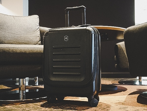 Review Rolling Victorinox Spectra 2 0 Dual Access Global Carry On Suitcase With Adjustable Handle