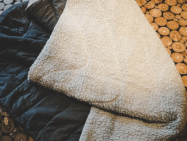 Review Rumpl Puffy Sherpa Blanket