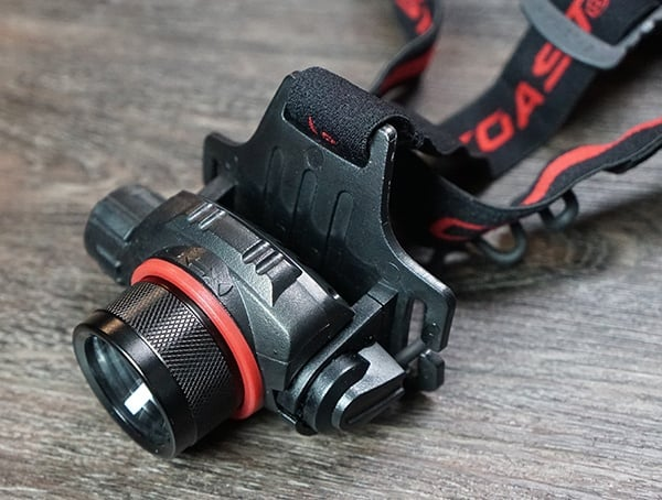 Reviews Coast Hl8r Headlamp With Three Output Light Controls