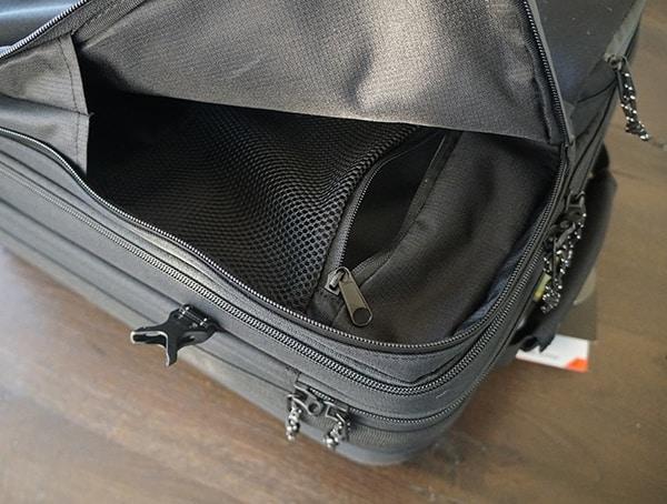 Right Front Exterior Pocket Mens Gio Alpha Convoy 522s Travel Bag