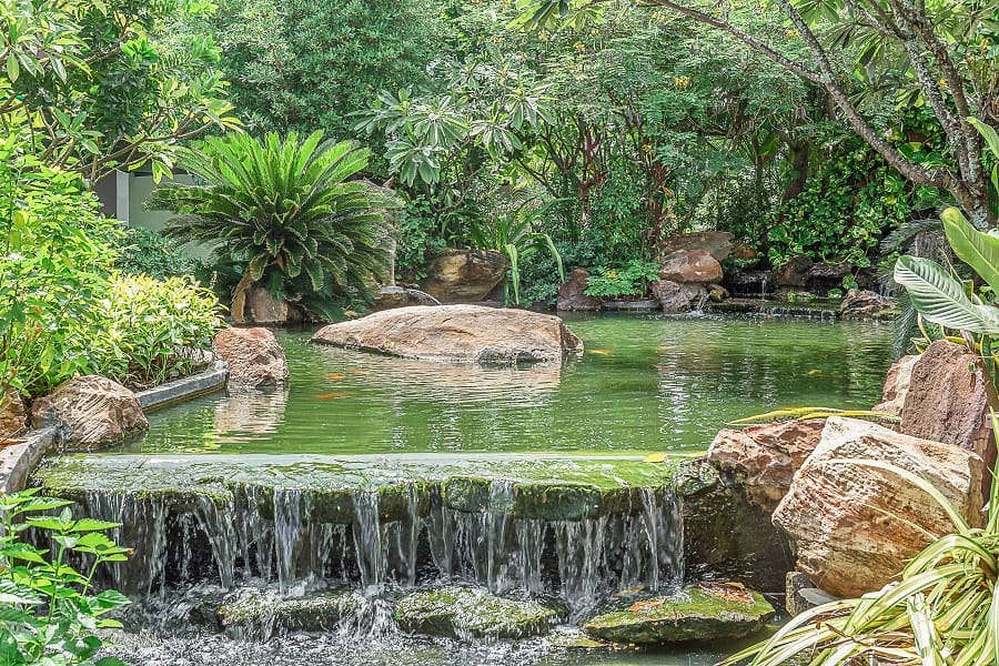 Stunning Exterior Rock Landscaping Designs