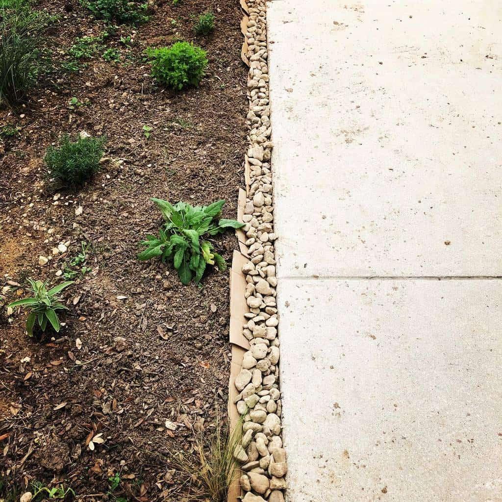 rocks and pebbles garden edging ideas k_roberts_art