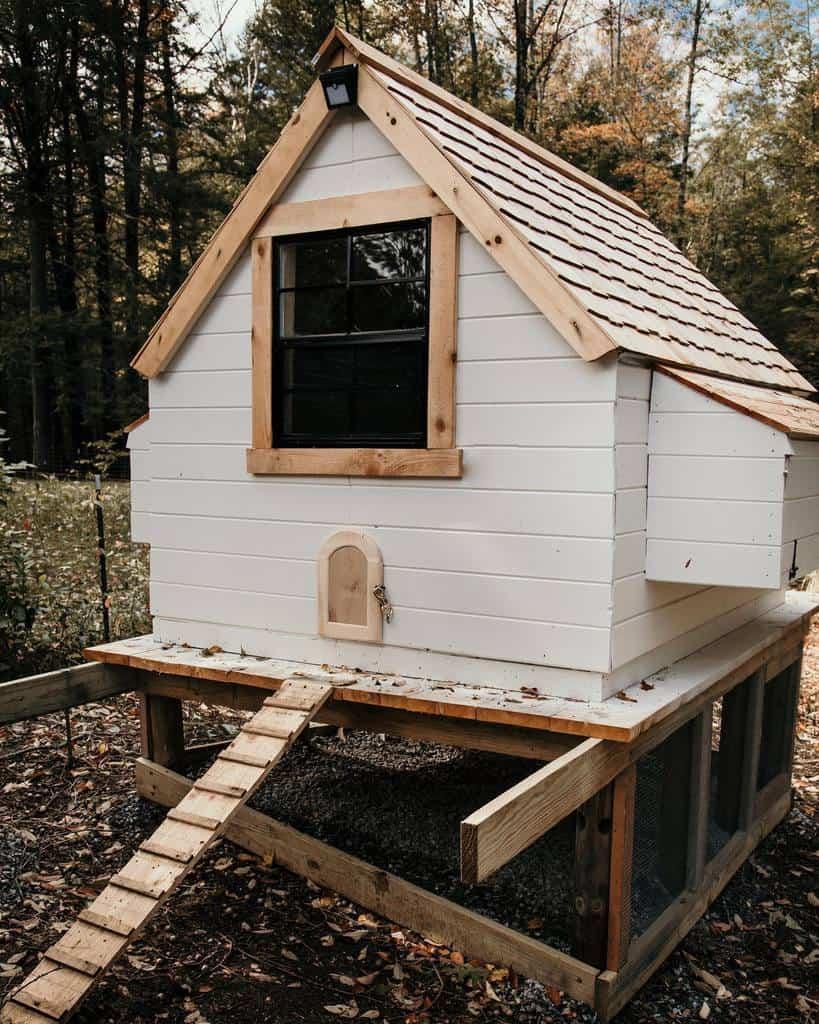 roof chicken coop ideas crookedchimneyfarm