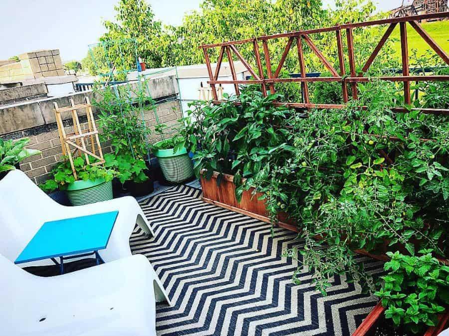 rooftop or balcony vegetable garden ideas girlnesting
