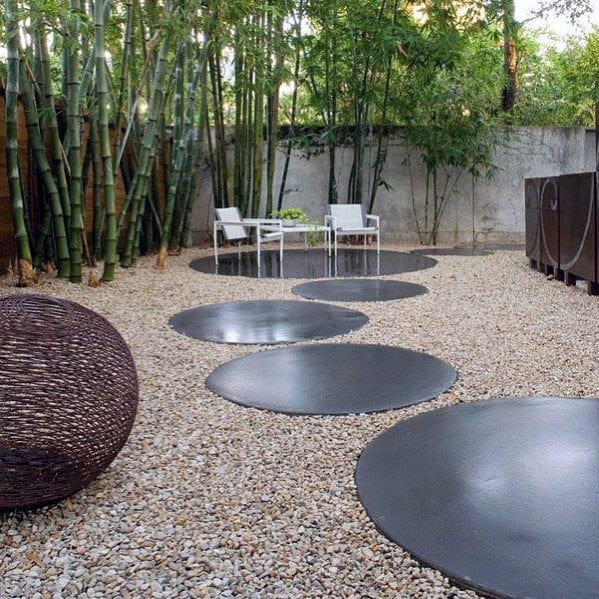 Round Stepping Stones Backyard Walkway Ideas