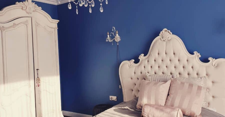 royal and deep blue bedroom ideas blacksea_beachhome