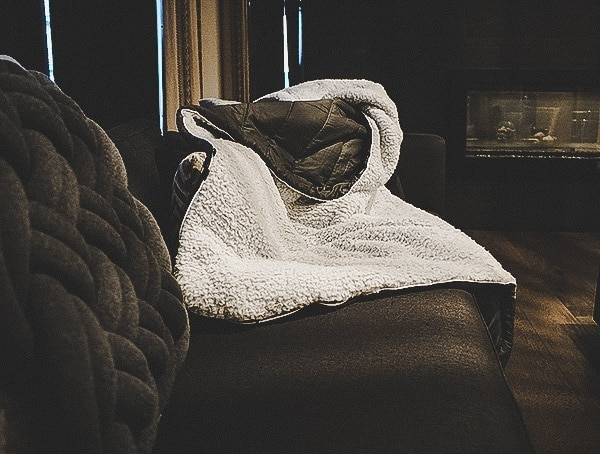 Rumpl Blanket Review Sherpa With Charcoal Nylon Back