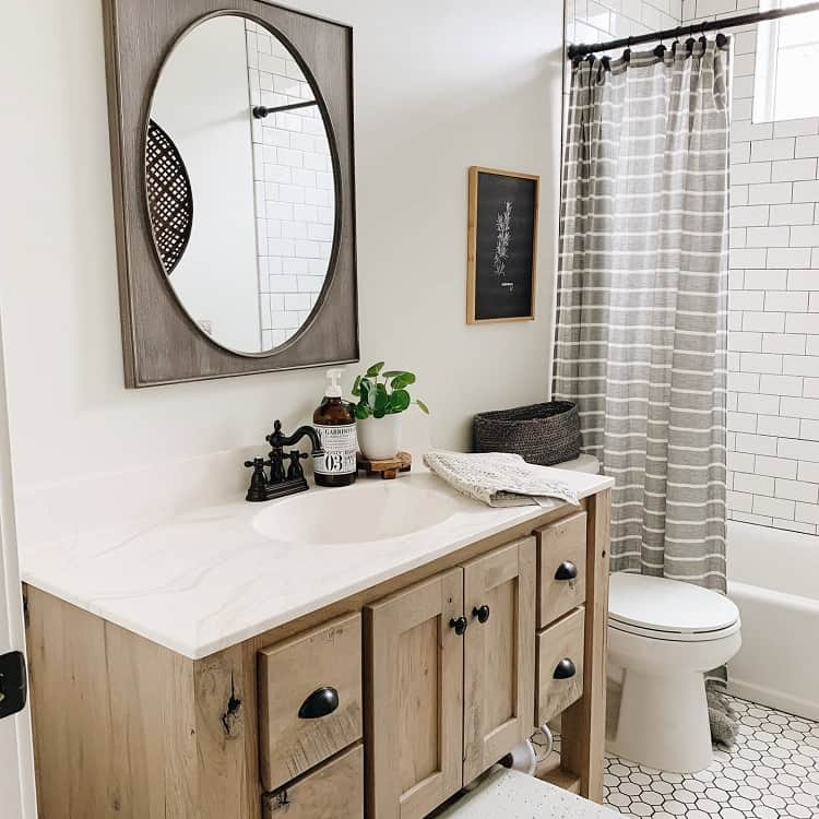 Rustic Chic Small Farmhouse Bathroom Heatherbarta