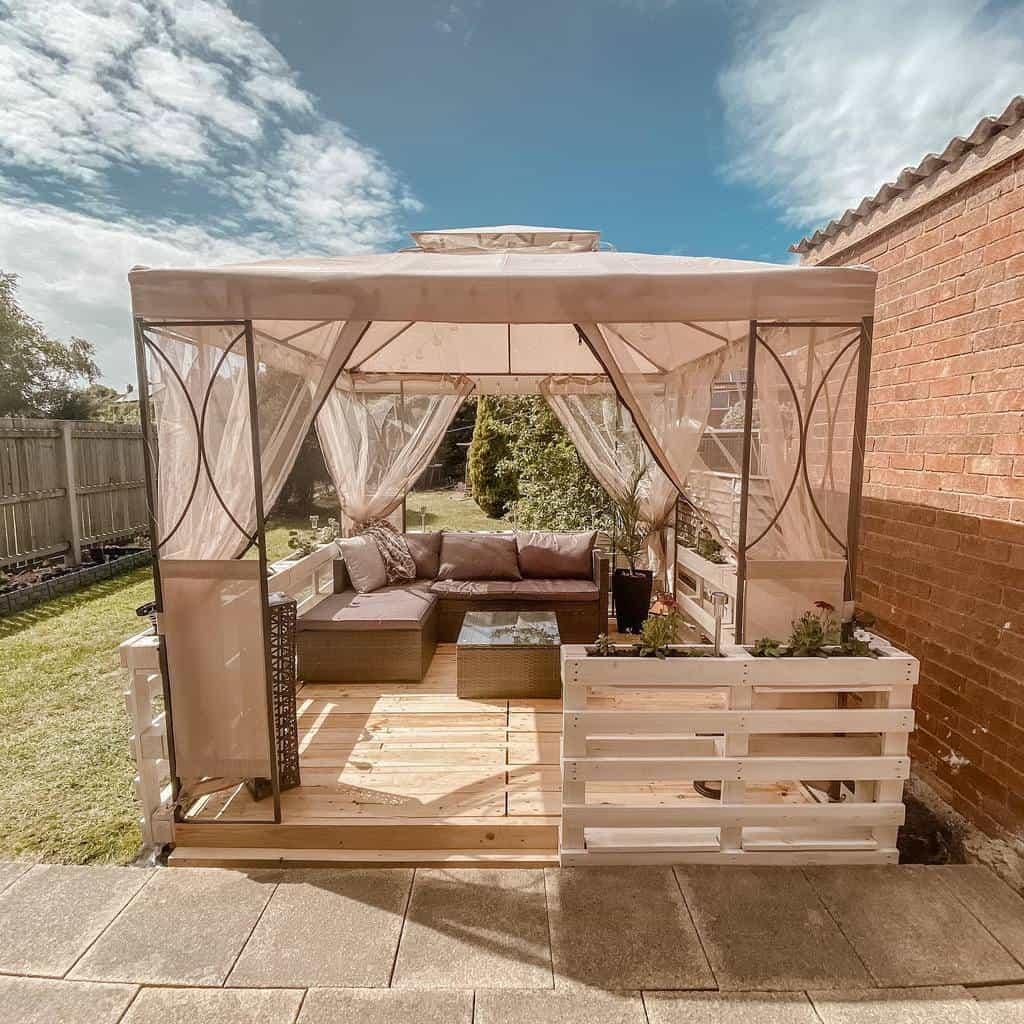 rustic covered patio ideas finfuu