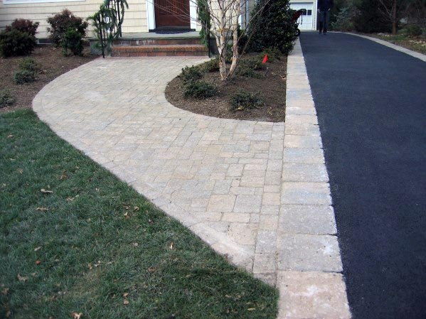 Rustic Driveway Edging Ideas