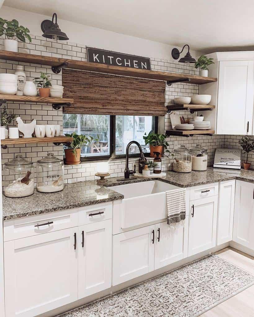 rustic farmhouse kitchen ideas _littlebitofgrace_