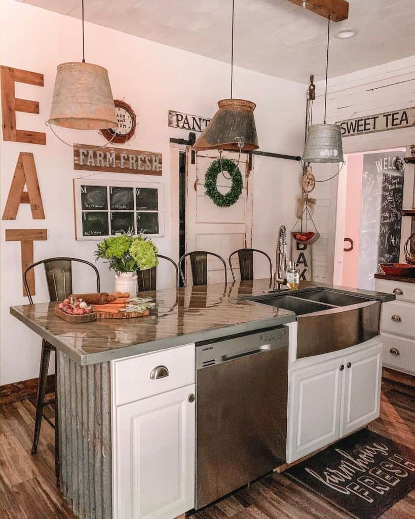 rustic kitchen bar ideas brownies_forever_farmhouse