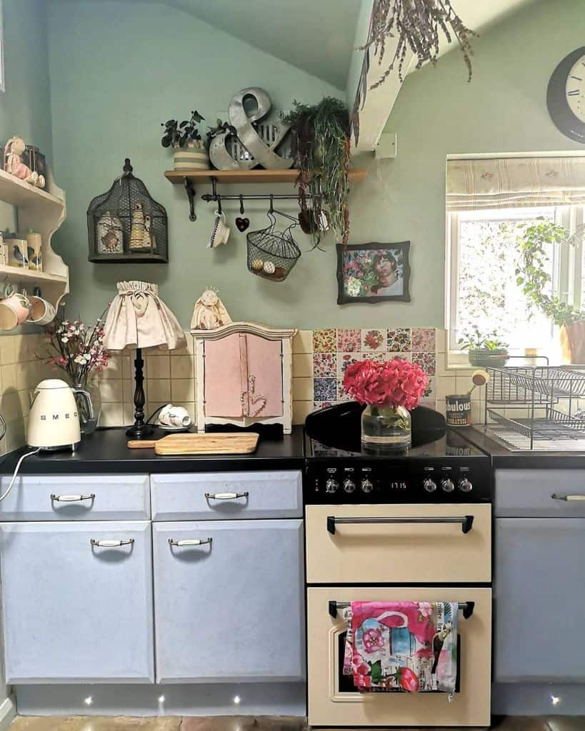rustic kitchen wall decor ideas claire_in_thecottage