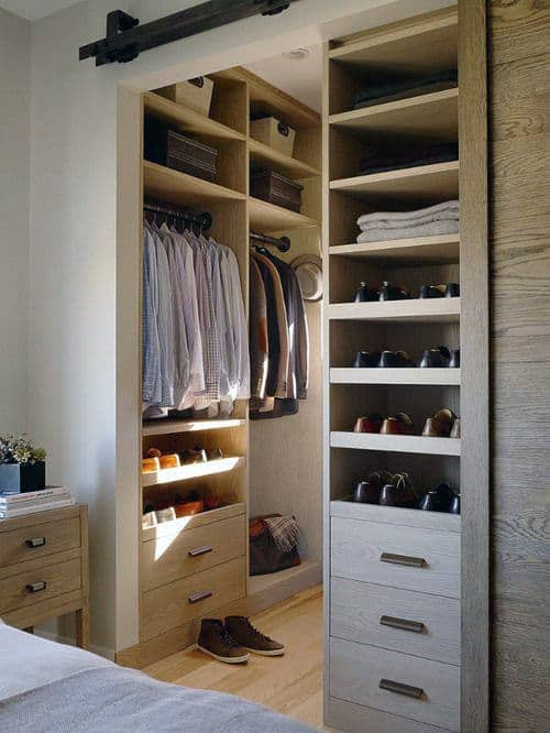 Rustic Mens Sliding Barn Door Walk In Closet