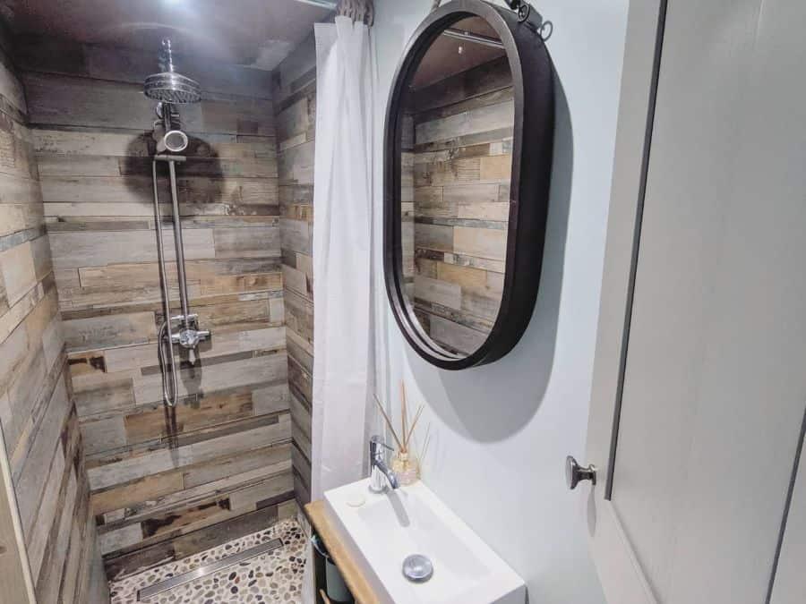 Rustic Tiny Bathroom Ideas Trailer.made