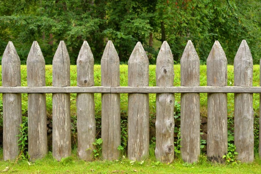 Rustic Wood Fence Ideas (4)