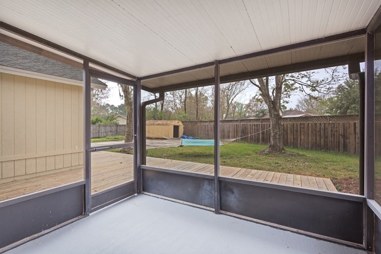 Screened In Porch Overlooking Large Yard