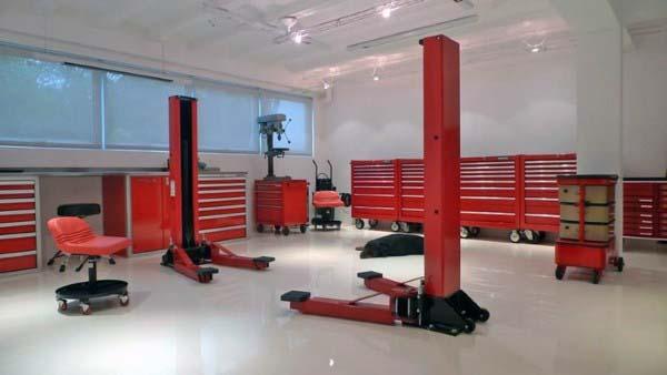 Sealed White Garage Flooring Ideas