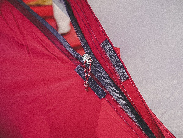 Secondary Door Zipper Closure On Msr Hubba Tour 3 Tent