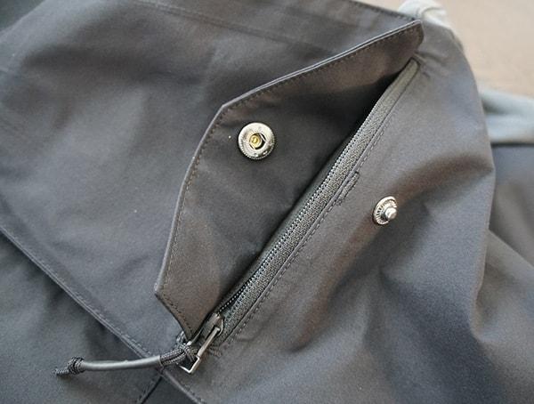 Secondary Pockets Dakine Stoker Gore Tex 3l Bib Unzipped