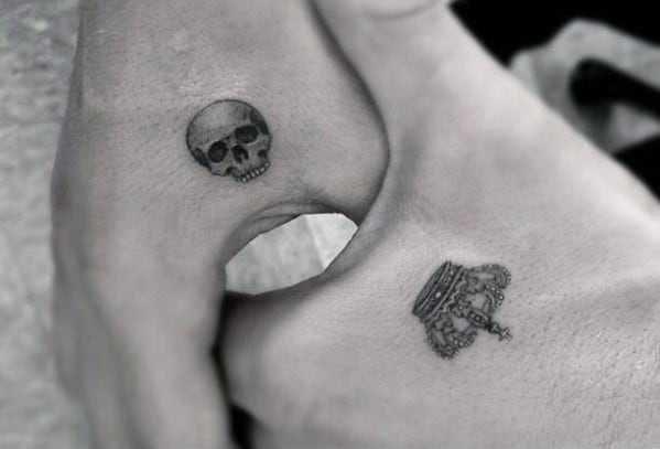 Shaded 3d Skull Mens Small Tiny Hand Tattoos