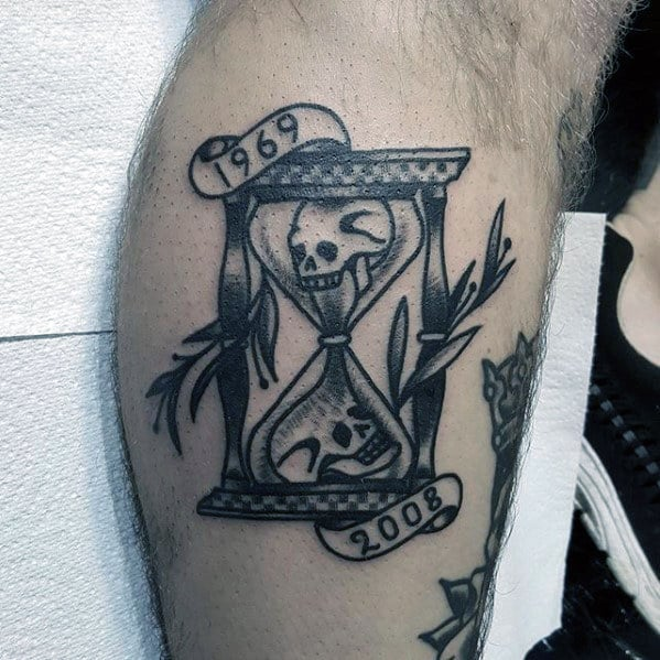Shaded Black And Grey Traditional Hourglass Skull Tattoos For Men On Leg
