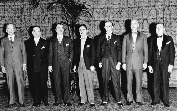 Sharp Mens 1920s Fashion