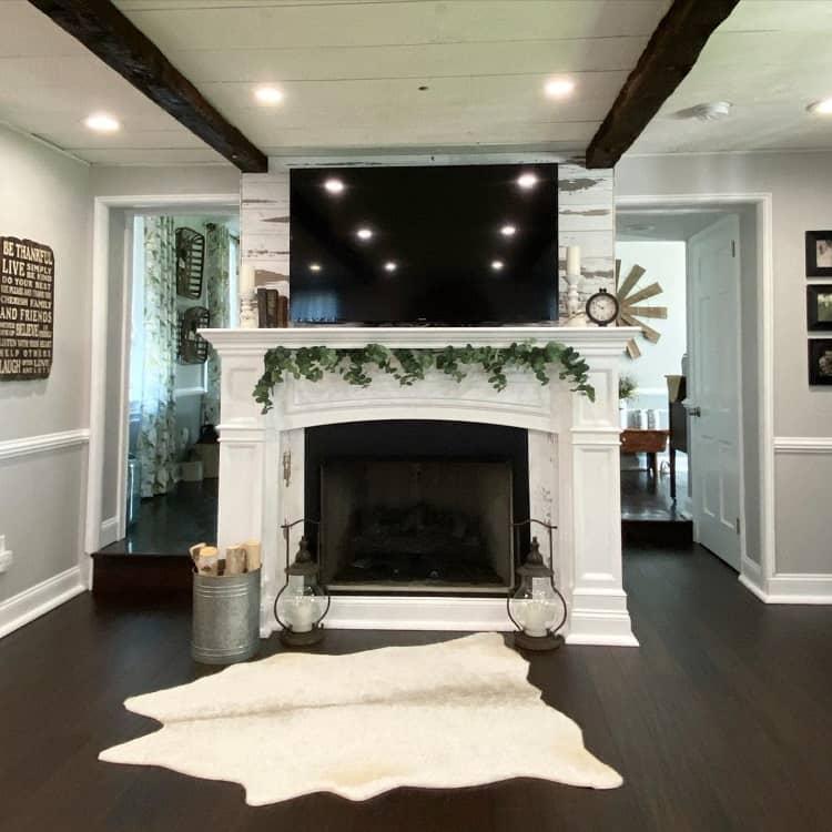 Shiplap White Fireplace Surround Red.barn Farmhouse