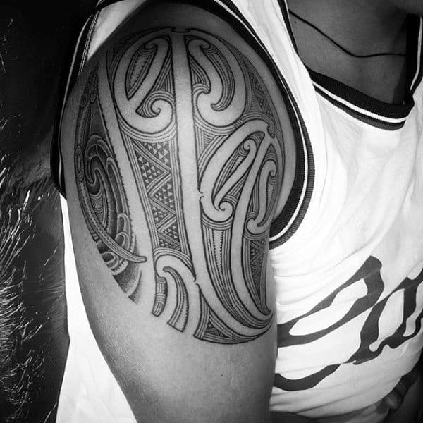 Shoulder Maori Polynesian Art Tattoo On Men