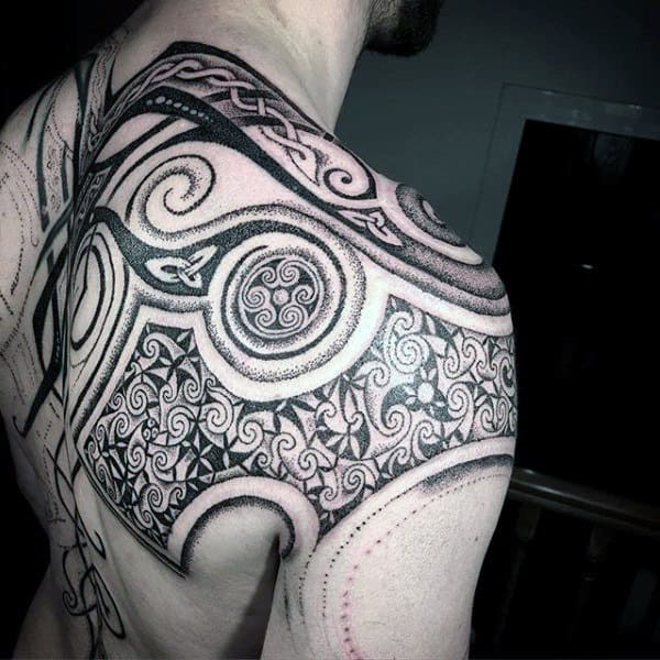 Shoulder Mens Celtic Knot Tattoos