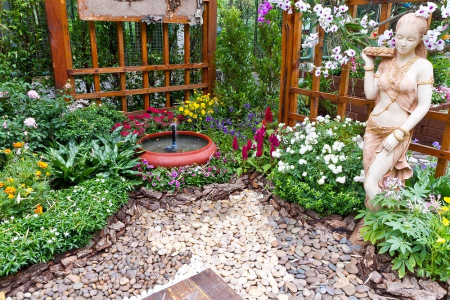Impressive Rock Landscaping Ideas For Patio