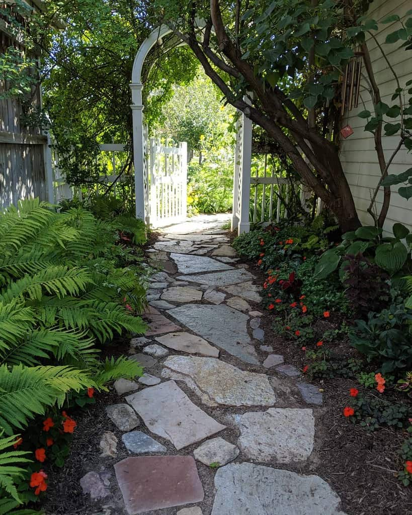 sideyard shade garden ideas inmycottagegarden